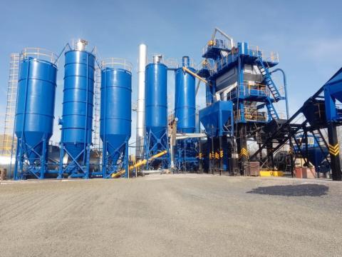Зимой 2020г. в пгт. Верх-Чебула Кемеровской области была проведена модернизация асфальтосмесительной установки ДС-1683 (ООО «Кемеровоспецстрой»)
